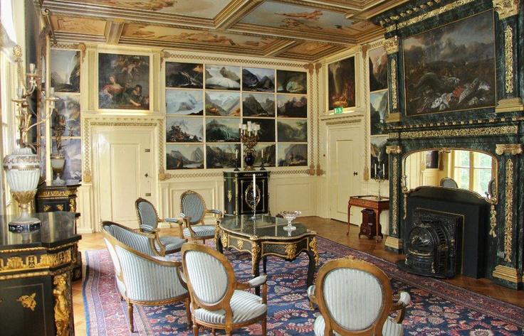 De Blauwe Salon, ideaal geschikt voor vergaderingen, diners, lunches maar tevens de trouwzaal van www.kasteelkeukenhof.nl