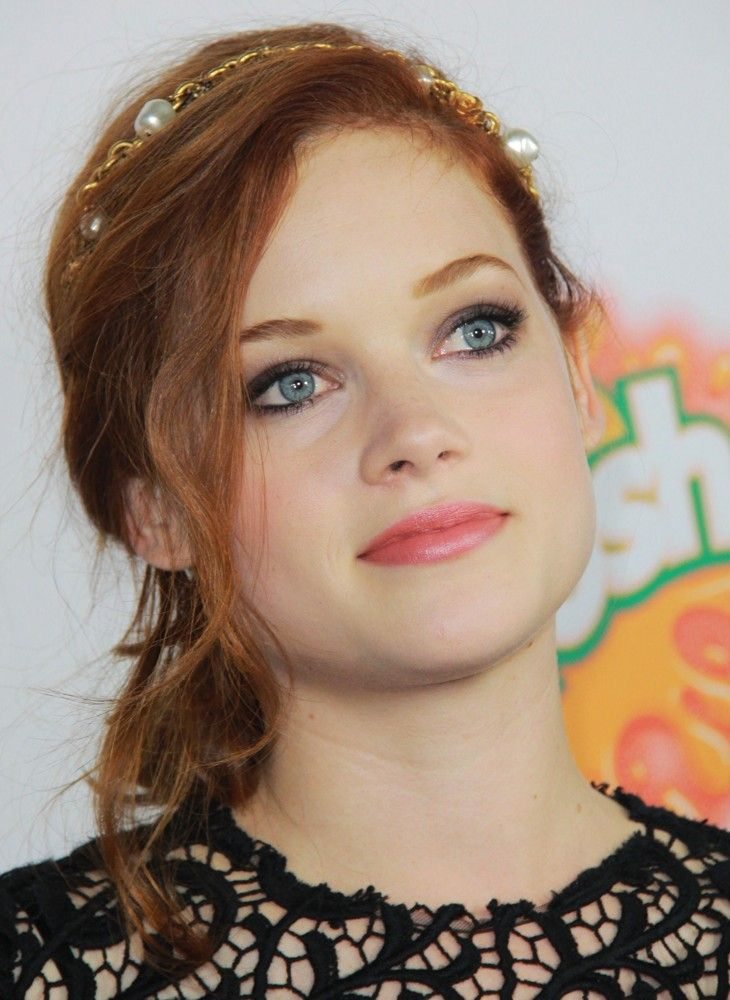 Jane Levy. Perfect hair color & pretty makeup