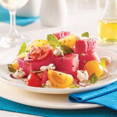Salade de melon d'eau, tomates cerises et cheddar de chèvre - Recettes - Cuisine et nutrition - Pratico Pratiques
