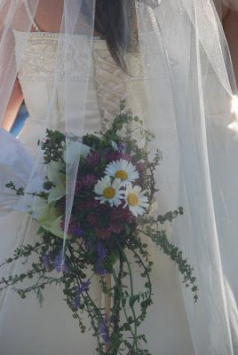 Ane og Edvards bryllup: Markblomster