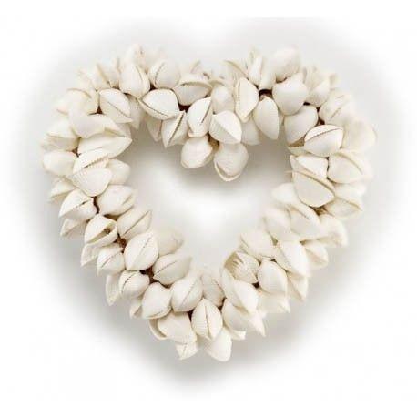 Pack de 2 Colgantes Corazón de conchas marinas para los enamorados del mar, corazón para colgar hecho a partir de conchas marinas naturales.   Medidas:Alto:27.00xLargo:25.50xAncho:6.50cm.  Peso:1.20Kgs.