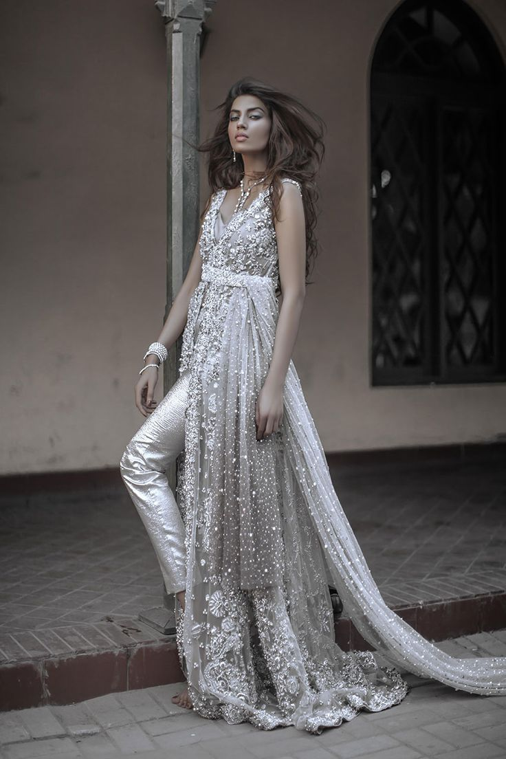 Elan Bridals. This is rich but sleek for a Pakistani bridal look. Shalwar kameez. Indian fashion .