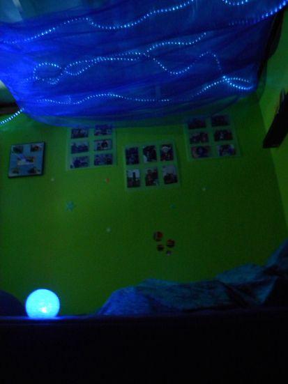 17 beste afbeeldingen over snoezel idee n op pinterest vloerkussens lichtslingers en tent - Hang een doek ...