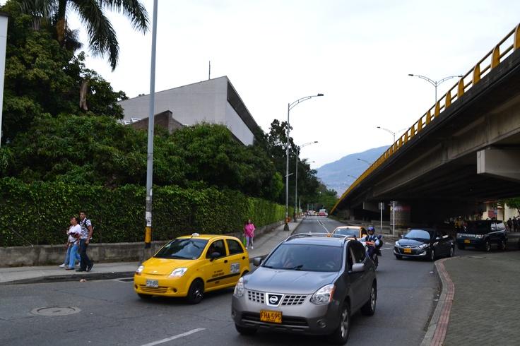 Día sin carro en Medellín. Lugar: Av Bolivariana, hacia Bulerías. Fecha: 23 de abril de 2012 - 5:06pm