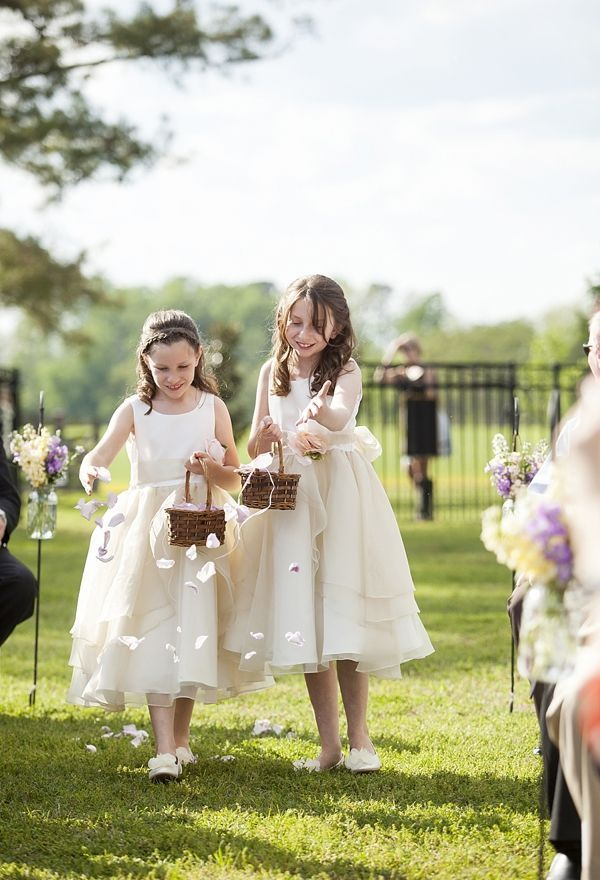 A homegrown rustic Suffolk wedding photographed by Eva Russo Photography.