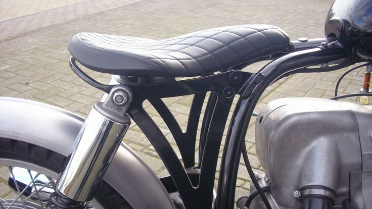 http://www.ebay.de/itm/BMW-R-60-7-mit-R90-6-Motor-Bobber-Scrambler-Flat-Tracker-/252340298336?hash=item3ac0a76260:g:yMgAAOSwB4NWuHVM