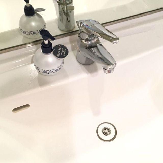 コスパも見た目もイイ 洗面台の排水口のごみ受けを取り換えて掃除を楽に 暮らしニスタ 掃除 洗面台 水口