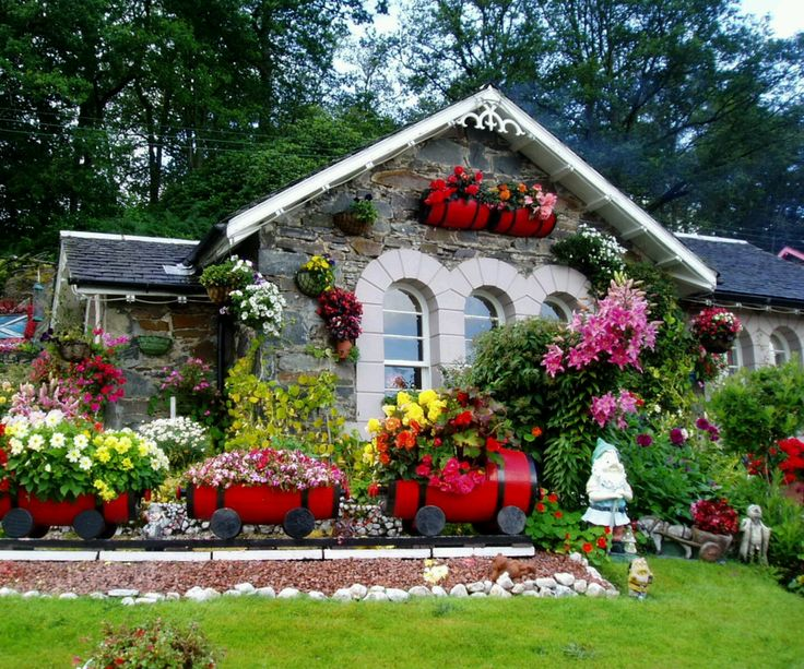 Garden Totally Adds Beauty To Your House. Make One Now. Images