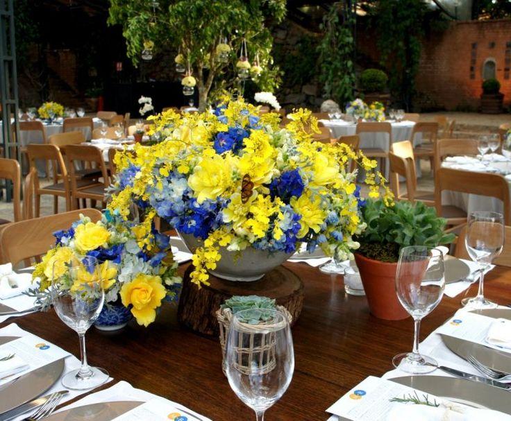 Decoração em azul e amarelo de Camila K Flores e Festas  Clássico