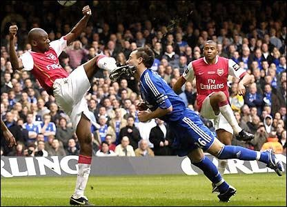 An EPL game-Chelsea vs Arsenal.