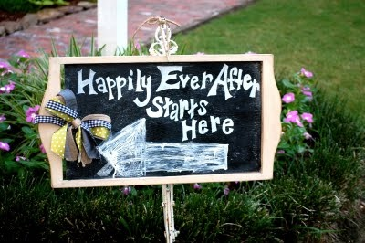 Cute chalkboard sign for outdoor reception! #wedding
