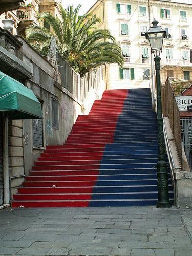 Una scalinata rossoblù a Castelletto. #Genoa