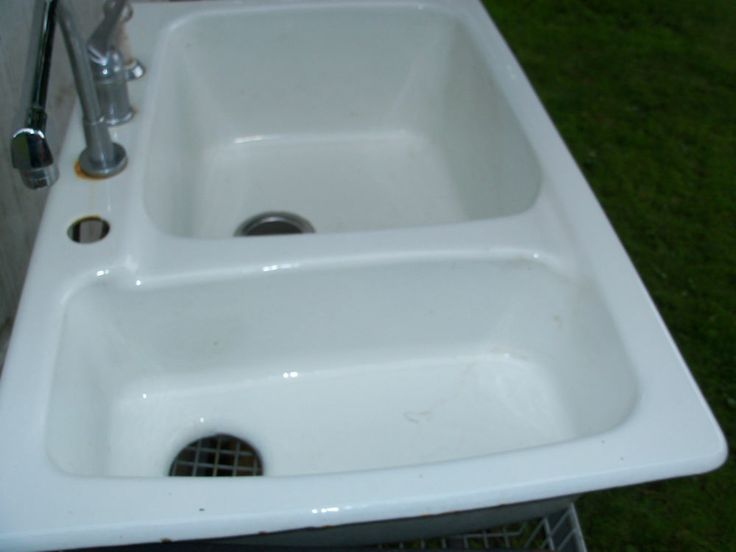 Kitchen Sinks White Porcelain : Pre-Owned White Porcelain Over Cast Iron Double Basin Kitchen Sink