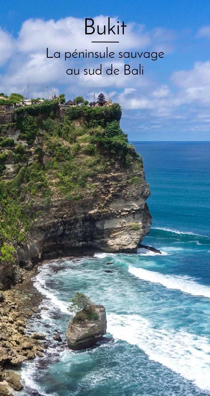 Partir à la découverte de Bukit, la péninsule sauvage au sud de Bali, de ses plages et du temple perché d'Uluwatu. #bali #voyage #bukit #uluwatu #travelblog #blogvoyage #indonesie