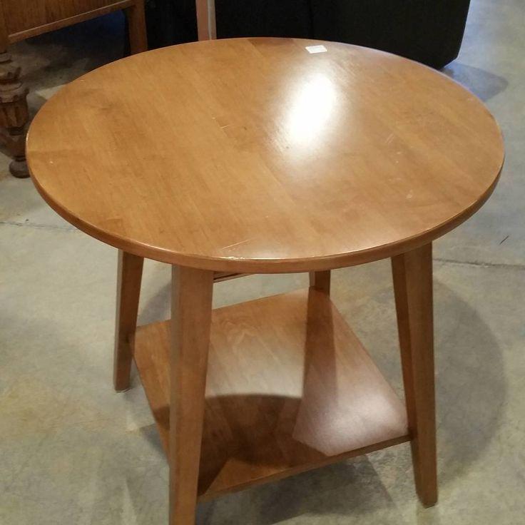 Sturdy Ethan Allen side table. #restylechicago #ethanallen https://www.instagram.com/p/BNc5sVXBmLE/