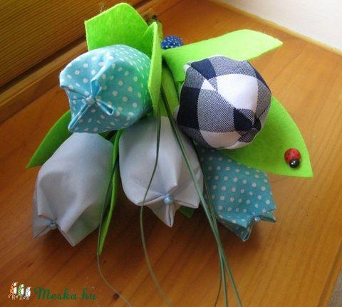 Meska - Tulipán csokor textilből - kék eszterszemek kézművestől