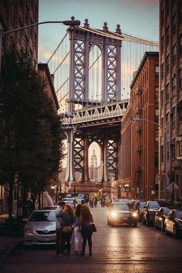 Statement Clutch - View of Manhattan Bridge by VIDA VIDA 5oAlh