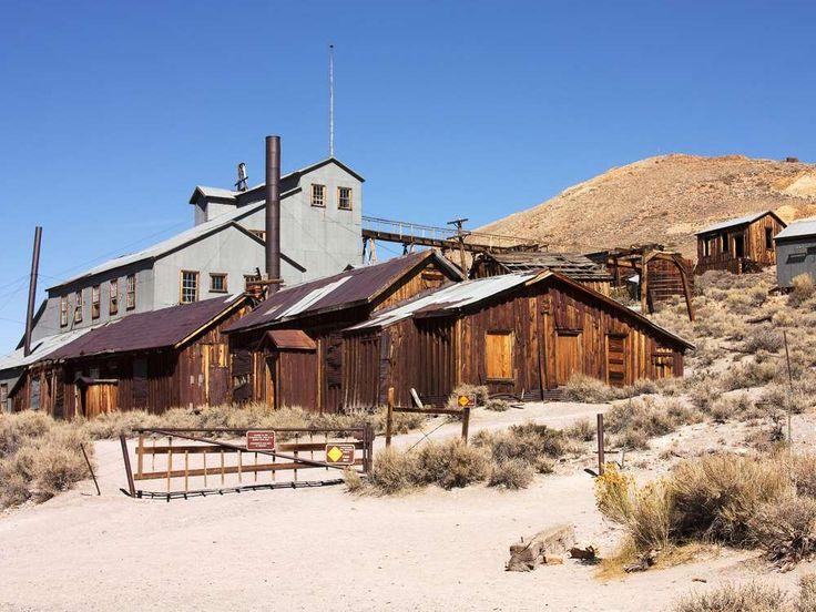An der Grenze zwischen den US-Bundesstaaten Kalifornien und Nevada liegt Bodie. Im Jahr 1859 entstan... - olcha / Shutterstock.com