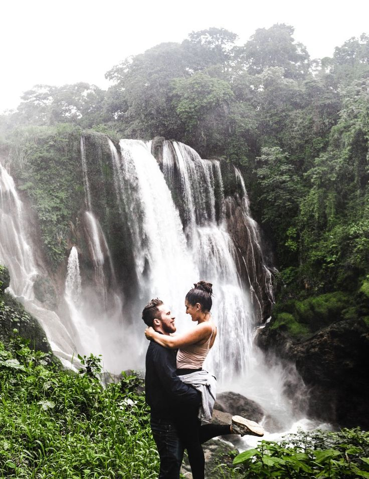 honduras dating tours)