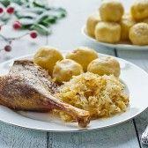 Savanyú káposztában sült liba burgonyagombóccal | Tesco karácsony