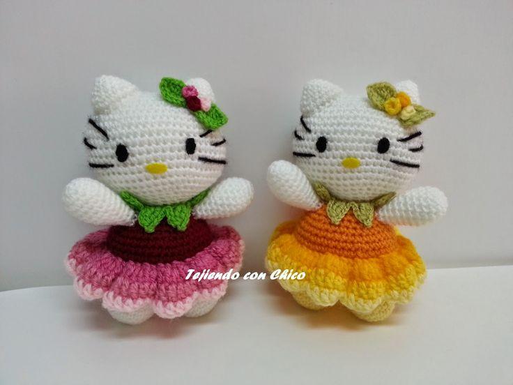 Hello Kitty Amigurumi - Patrón Gratis en Español e Inglés aquí: http://tejiendoconchico.blogspot.com.es/2014/11/hello-kitty-15.html
