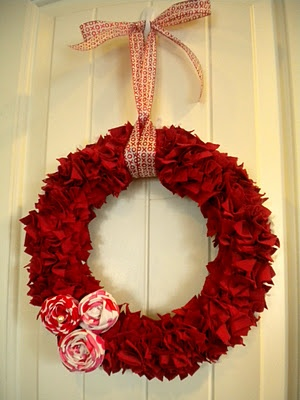 She made this from a t-shirt!! LOVE it!!Decor Ideas, Valentine Rag, Diy Crafts, Crafts Wreaths, Rag Wreaths, Crafts Diy, Holiday Decor, Christmas Ideas, Valentine Wreath