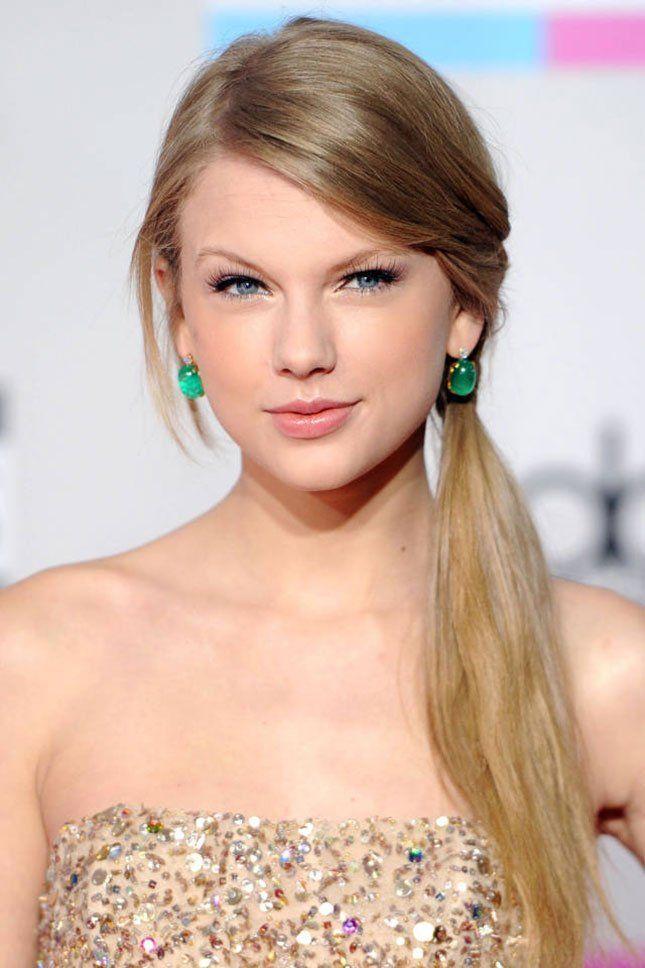Taylor Swift Frisur Und Taylor Swift Haarfarbe Taylor Swift Hair Taylor Swift Hair Color Taylor Swift