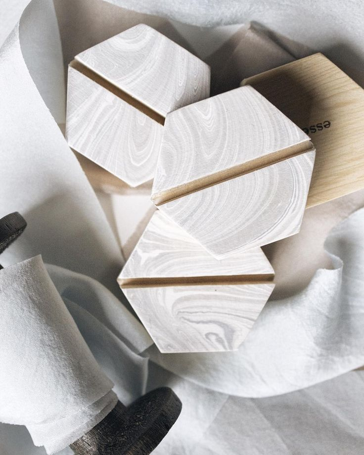 Faux marble wood Geometric Place card holder