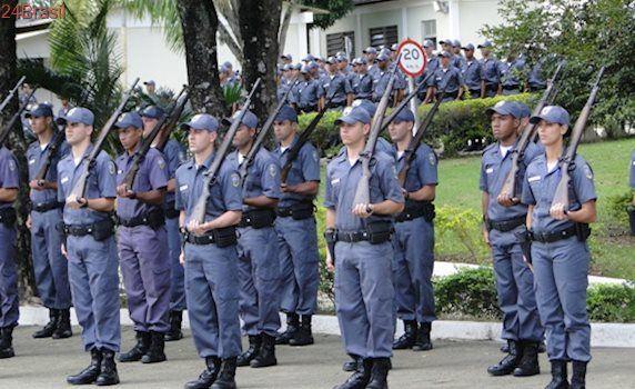 Associações de militares e mulheres que realizam manifestação se reúnem com o governo do ES