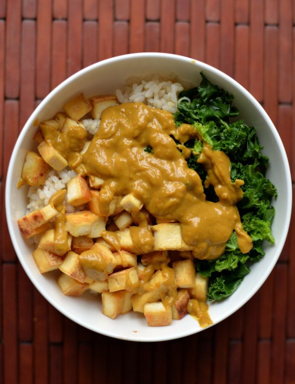 Tofu and Kale Bowl with a Curried Peanut Sauce {vegan, gluten-free, health, bowl}