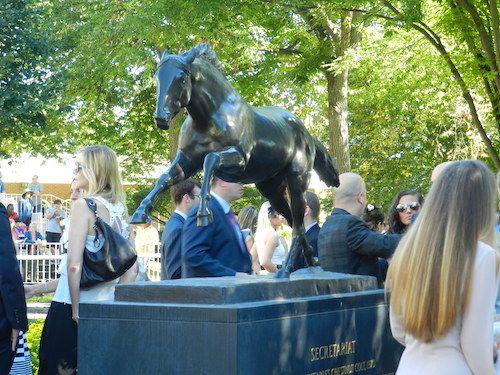 Secretariat immortalized in the Belmont Park paddock