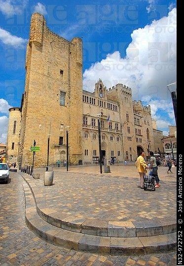 Palacio Arzobispal, Plaza del Ayuntamiento, de Narbonne.  Aude, Languedoc-Rosellón, Francia
