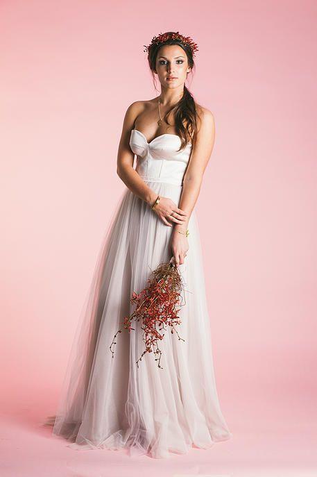 http://www.dearheartphotos.com/#!robyn-roberts-bridal-range/c4jz  Photos By dearheart Photos