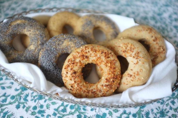 Recette sans gluten de bagels, gluten free, dairy free , egg free bagels recipe.