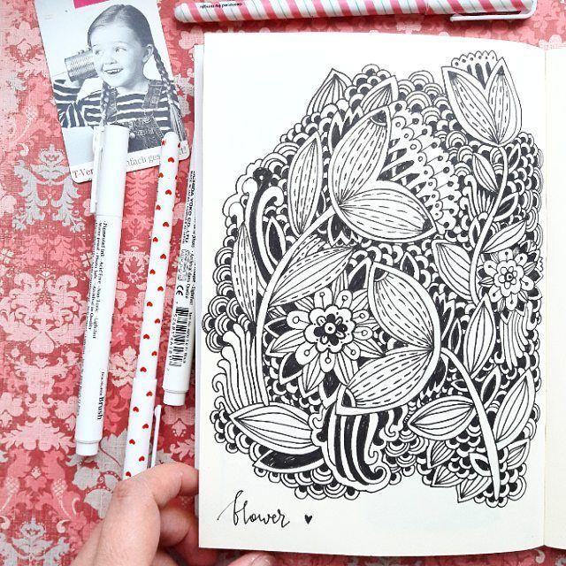 Вот сидела и думала... как бы это цветочки порисовать... сидела, сидела и думаю - надо бы начать с чего нибудь....начала....даже видео снимала))))) но теперь не знаю как его ускорить😂😂😂 Вообщем порисовала для видео, а потом решила дорисовать)))) Так что цветы для #spankysartparty #52weekartchallenge #drawchallenge #art_we_inspire #top_creator #drawchallenge #drawing #sketchbook #sketch #drawing #houses #52weekartchallenge