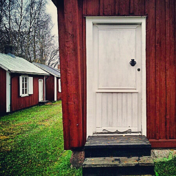 All those white doors and red, tiny houses. <3