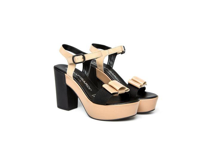 CAROL sandali con tacco e cinturino alla caviglia beige CAROL sandals with platform and ankle strap in beige