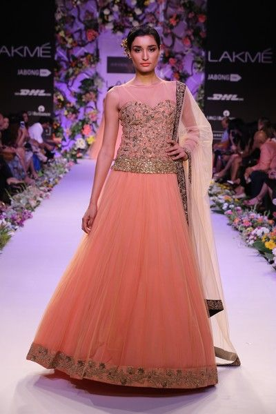 Bridal Fashions http://maharaniweddings.com/gallery/photo/20602 @Shiv Sachdeva Sachdeva Gopal Music/designer-shyamal-bhumika