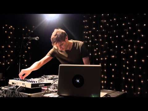 ▶ Jon Hopkins - Open Eye Signal (Live on KEXP)