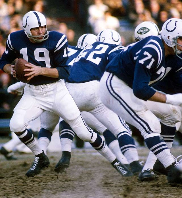 John Unitas #19 Hall of Fame Quarterback.  Here he shuffles back to pass during the Colt's final regular season game, a 35-20 victory over the New York Jets.
