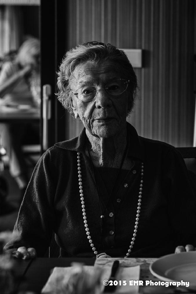 Oud zijn is mooi  by EMR Photography