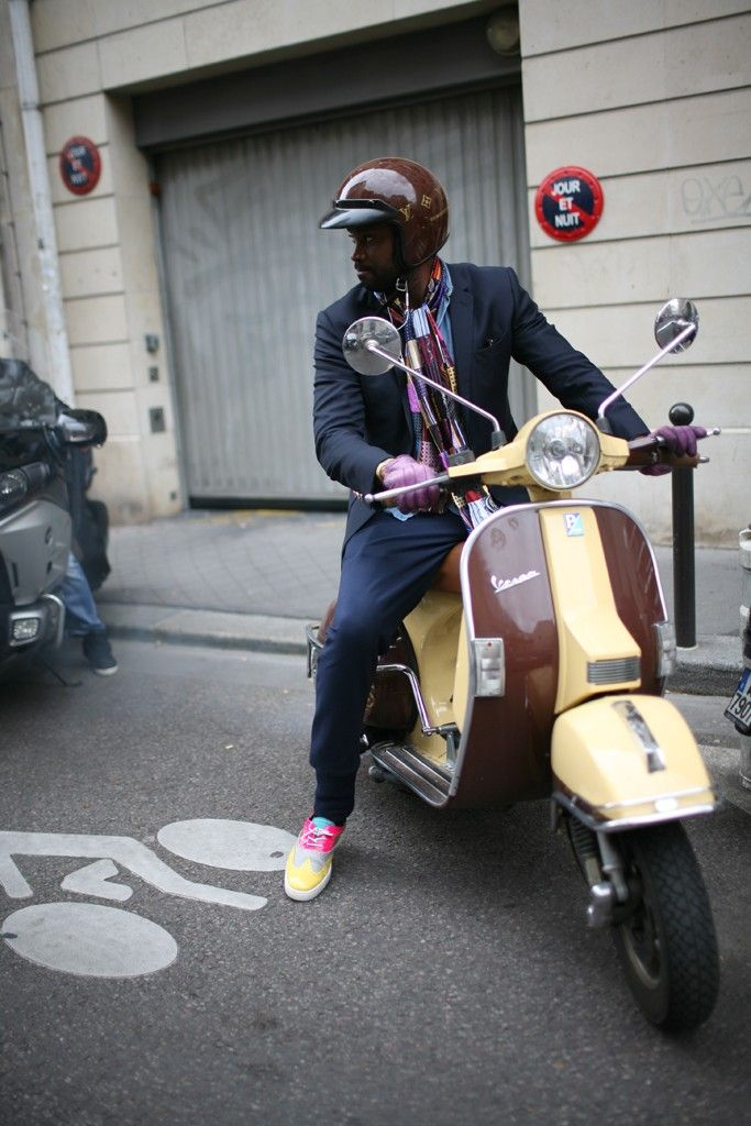 they are wearing paris men s fashion week spring 2014 vespa. Black Bedroom Furniture Sets. Home Design Ideas