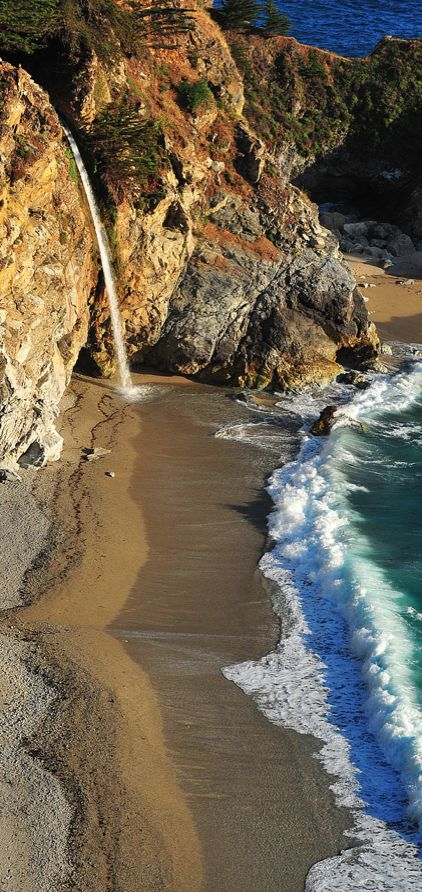 McWay Falls ~ Big Sur, California • photo: Ken Rockwell ☛ http://www.kenrockwell.com/trips/2010-06-california-central-coast/19.htm