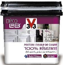 Pot de 2L de la peinture meubles de cuisine 100% résitant de la gamme Déco'lab V33 couvrant 12 m2. Peinture acrylique et lessivable disponible en 12 couleurs s'appliquant en 2 couches sans poncer sur meubles vernis et stratifié