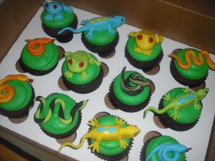 Sprinklebelle Snake Cake  Lizard And Frog Cupcakes cakepins.com