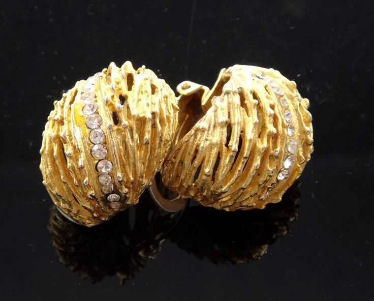 Italian vintage golden tone  strass style  earrings with clips, by Cascio Bijoux, Florence, Italy /Orecchini clip Vintage dorati e strass di ItalianVintageFamily su Etsy