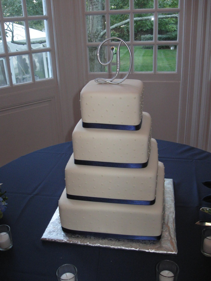 Our Disc Jockey Service provided the entertainment for an amazing wedding at the Grey Rocks Mansion in Pikesville, MD when we saw this beautiful cake. To get more cake ideas you can visit our website at www.SteveMoody.com