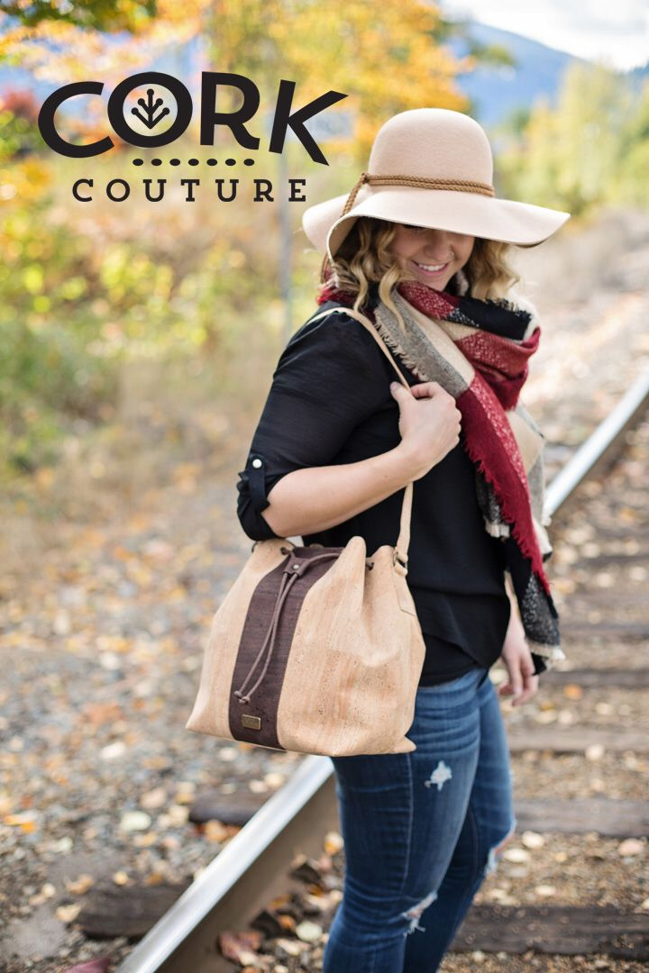 Cork Bucket bag in natural and brown. Perfect for all the Autumn colours. www.corkcouture.ca