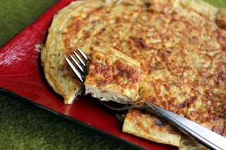 Spanish frittata with caramelized onions ~ Stuff I Make My Husband