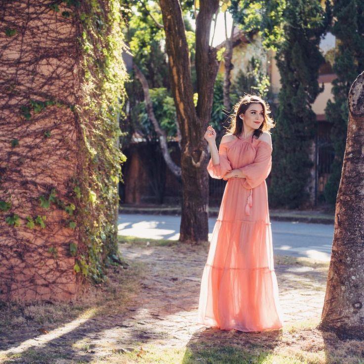 """Lu Ferreira no Instagram: """"Aquele vestido que mais parece um sonho!! A coleção nova da @ateenloja está maravilhosa, é difícil escolher o mais bonito!  #ootd #style  …"""""""
